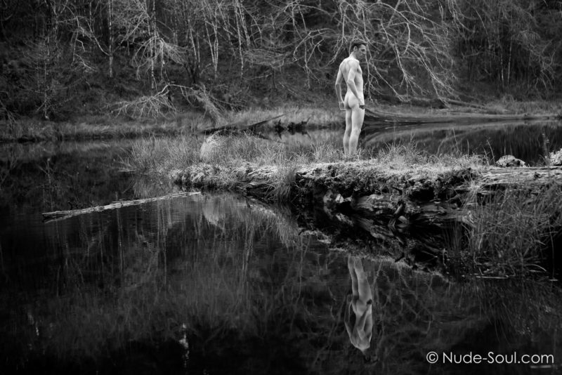 Nude Reflective Dreamer – Dreaming