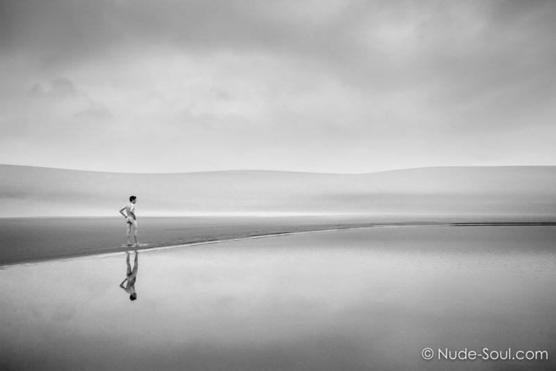 Traveler – Nude in Nature